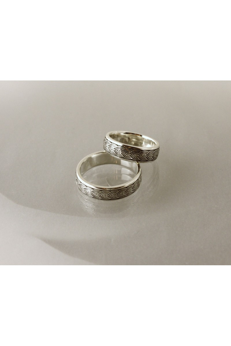 Domború avar végtelen-fonat karikagyűrű